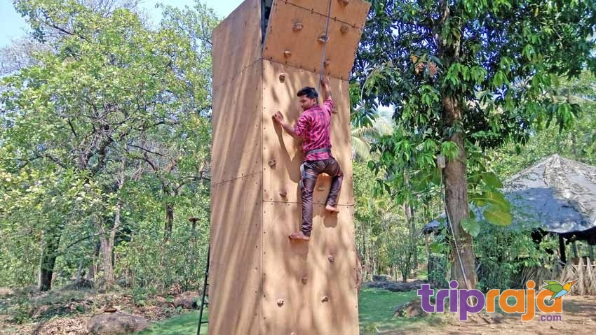 Wall-Climbing-Activity-at-Natures-Nest-Resort---tripraja.com