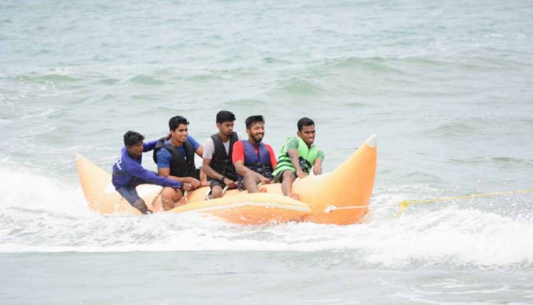 Banana-boat-ride-on-Goa-beach