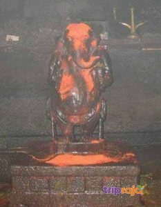 Ganesh-Idol-with-two-arms-at-Maha-Ganapathi-Temple---Gokarna