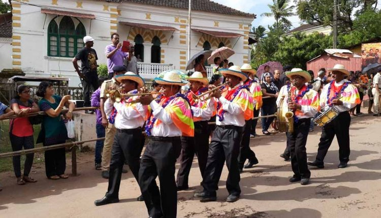 local-traditional-band-parade