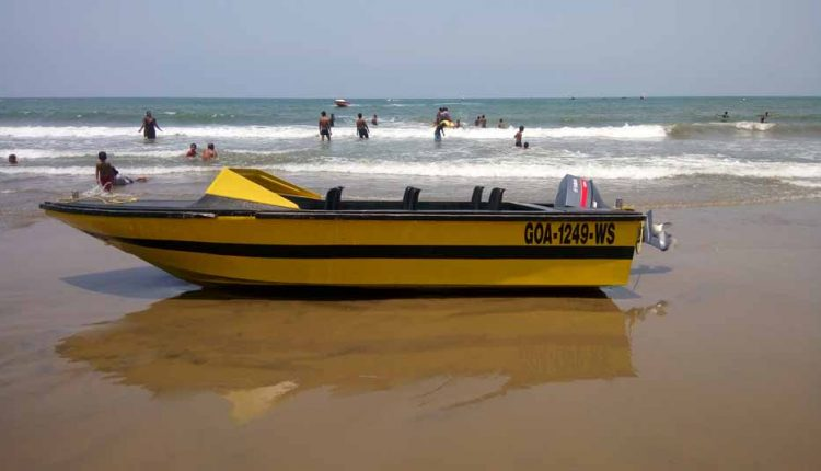 speed-boat-in-goa