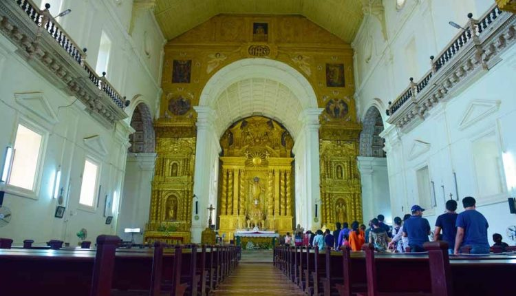 Altar-at-Basilica-of-Bom-Jesus-Old-Goa