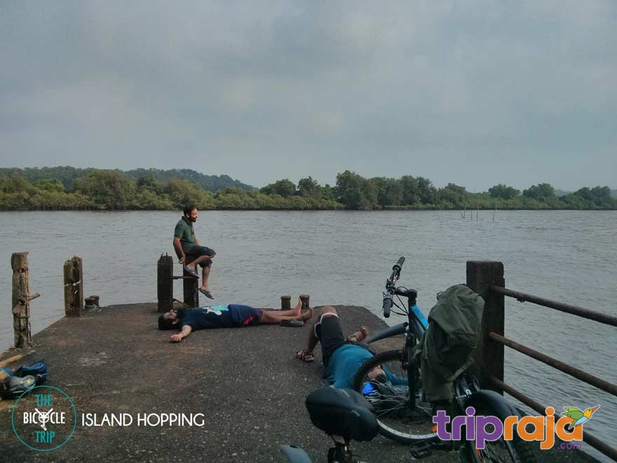 Exploring-Goa-on-a-Bicycling-Tour---tripraja