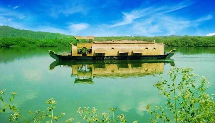 Houseboat-cruise-package-goa