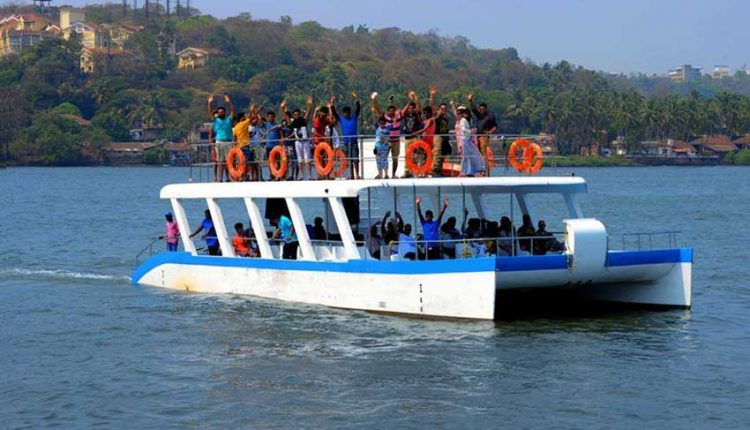 Adventure-Boat-Catamaran-Goa