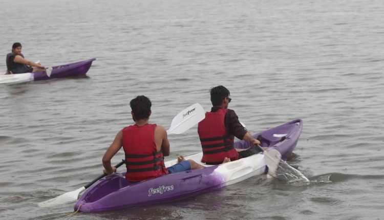 Double-Kayaking-Activity