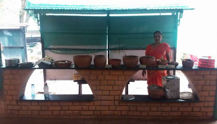 Goan-Buffet-Lunch-at-Sahakari