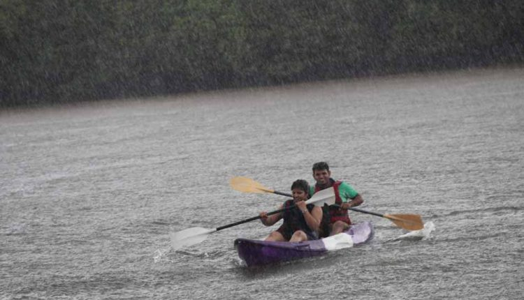 Monsoon-Backwater-Kayaking-Activity