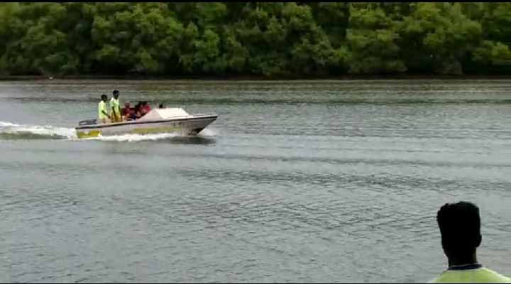 Speed-Boat-Ride-at-Sal-River-Backwater