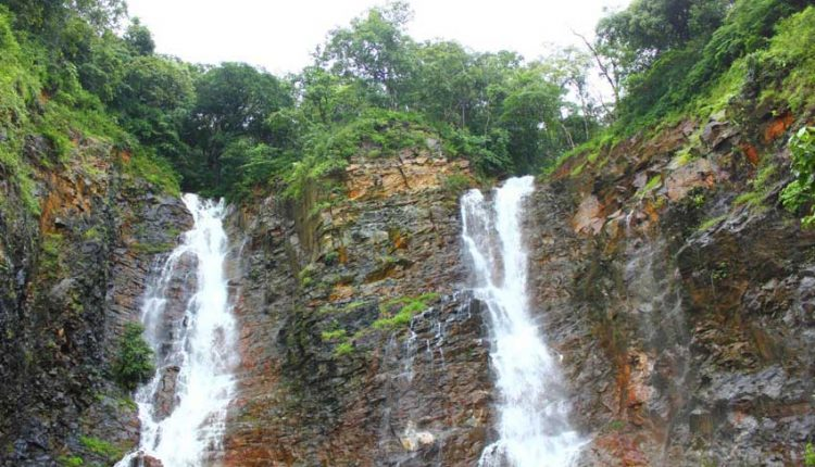 Twin-Waterfalls-goa
