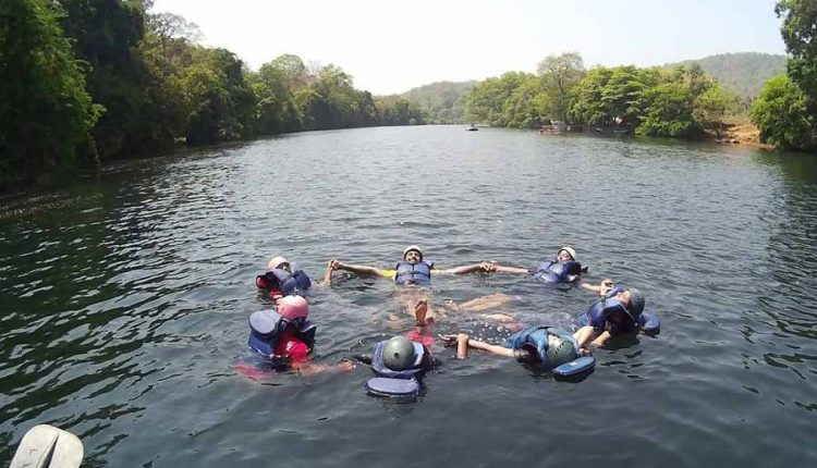dandeli-trip-swimming