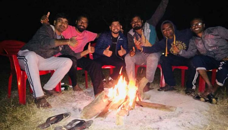 dandeli-night-camp-fire